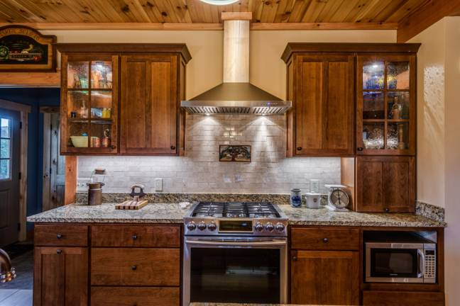 honest-abe-log-homes-langer-kitchen_701_2019-10-31_12-33